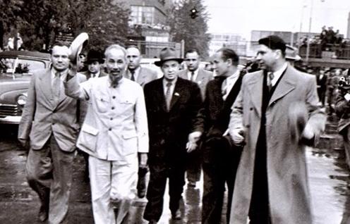 Chủ tịch Hồ Chí Minh - Người làm rạng rỡ non sông, đất nước Việt Nam