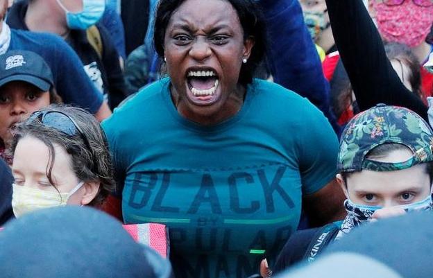 """""""Căn bệnh"""" nào đang giết chết những người Mỹ da đen?"""