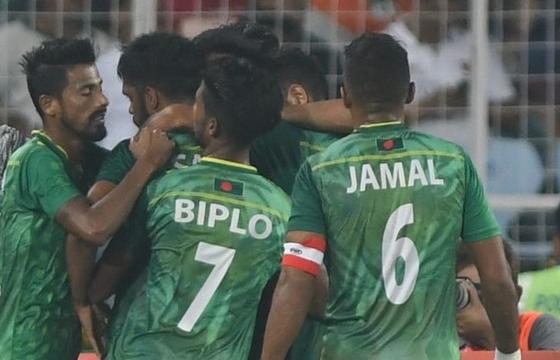 Nhiều cầu thủ châu Á mắc Covid-19, vòng loại World Cup 2022 tiếp tục để ngỏ
