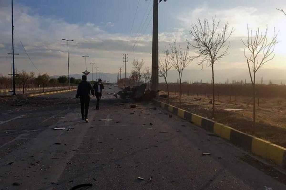 Hiện trường vụ ám sát nhà khoa học hạt nhân Mohsen Fakhrizadeh ngày 27/11. Ảnh: Reuters