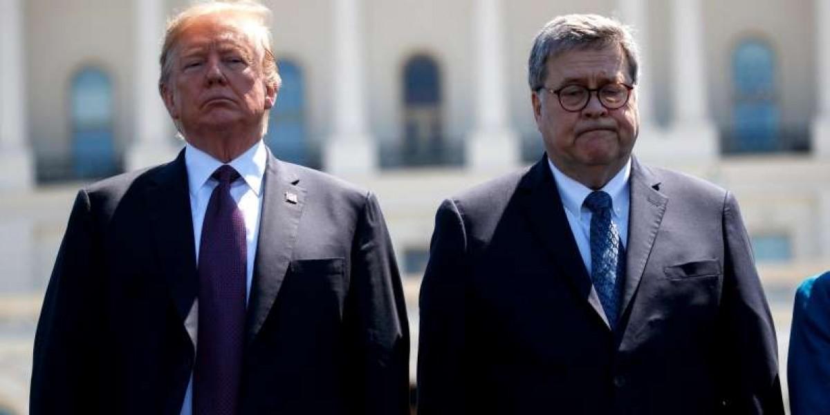 Tổng thống Trump và Bộ trưởng Tư pháp William Barr. Ảnh: AP
