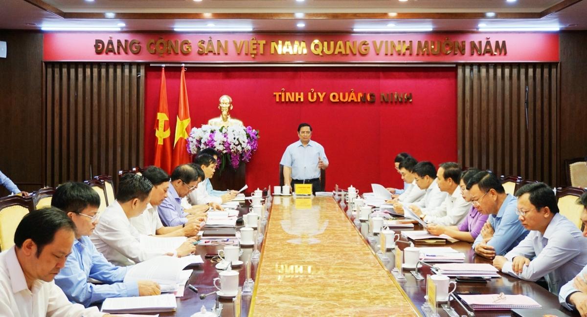 Ngày 6/6/2020, Đoàn công tác của Ban Bí thư Trung ương Đảng do ông Phạm Minh Chính, Ủy viên Bộ Chính trị, Bí thư Trung ương Đảng, Trưởng Ban Tổ chức Trung ương làm trưởng đoàn đã làm việc với Ban Thường vụ Tỉnh ủy Quảng Ninh.