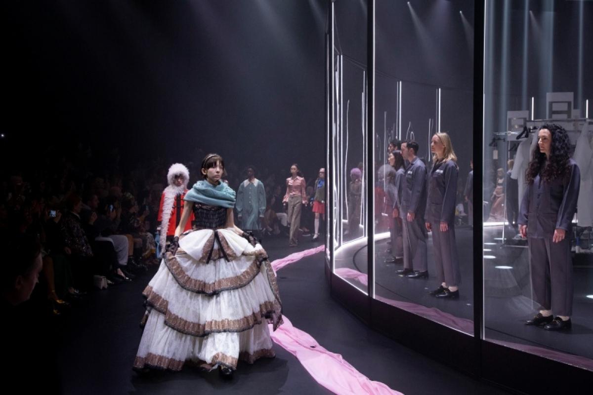 Gucci, Saint Laurent từ bỏ khái niệm thời trang theo mùa, giúp ngành thời trang lấy lại quyền chủ động trước những đình trệ gây ra bởi bối cảnh kinh tế và dịch bệnh.